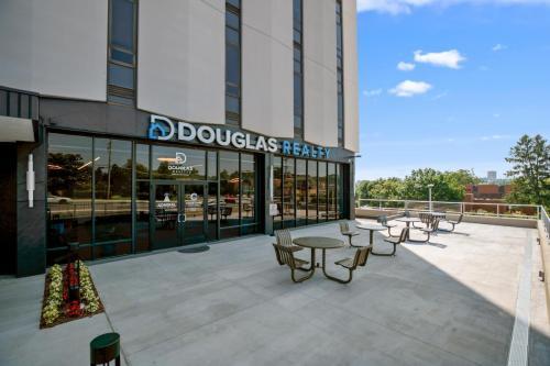 04 Douglas Realty